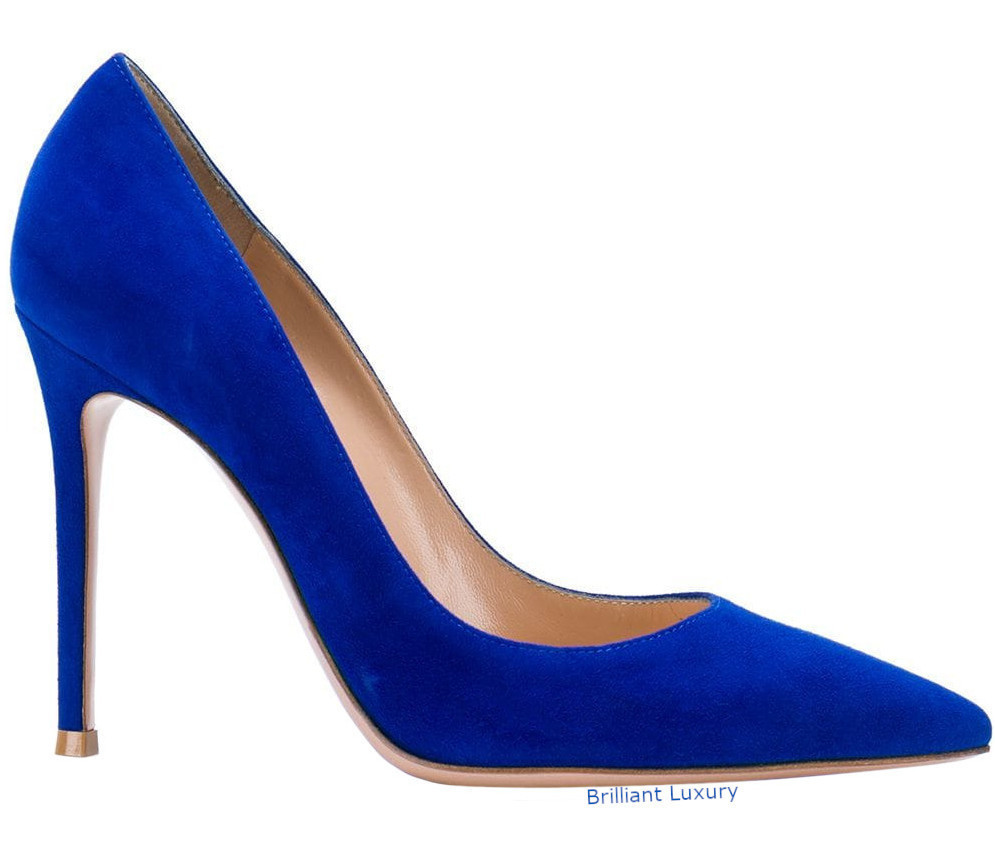 Gianvito Rossi pointed pumps in Pantone Color Princess Blue