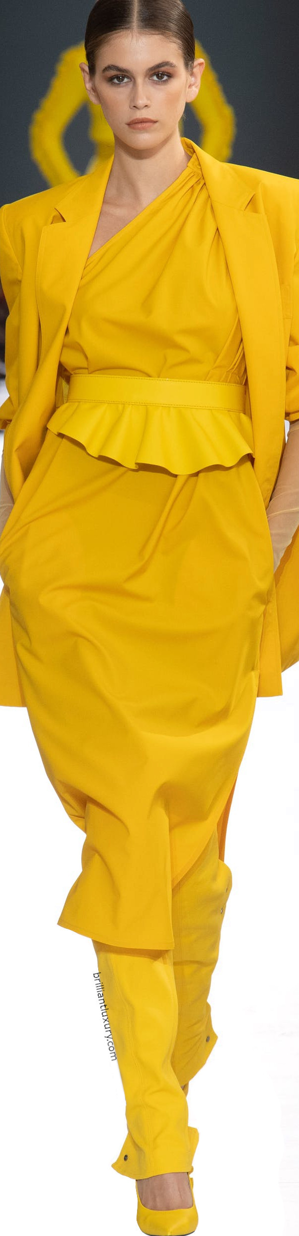Max Mara Fashion in yellow